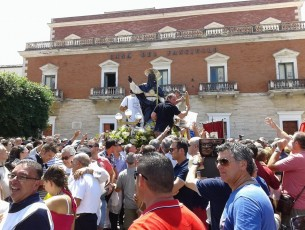 CAMPOFRANCO – San Calogero: La processione. (video)