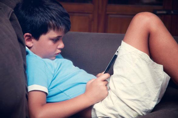 Risultati immagini per bambini tablet