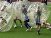 Il calcio nella bolla, ecco un nuovo sport